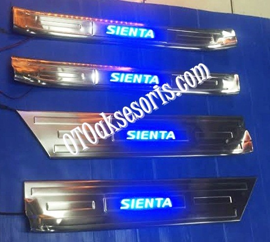Sill Plate Samping/Door Sill Plate Stainless + Lamp Toyota SIENTA